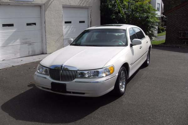 Used Car 1998 Lincoln Town A Auto S