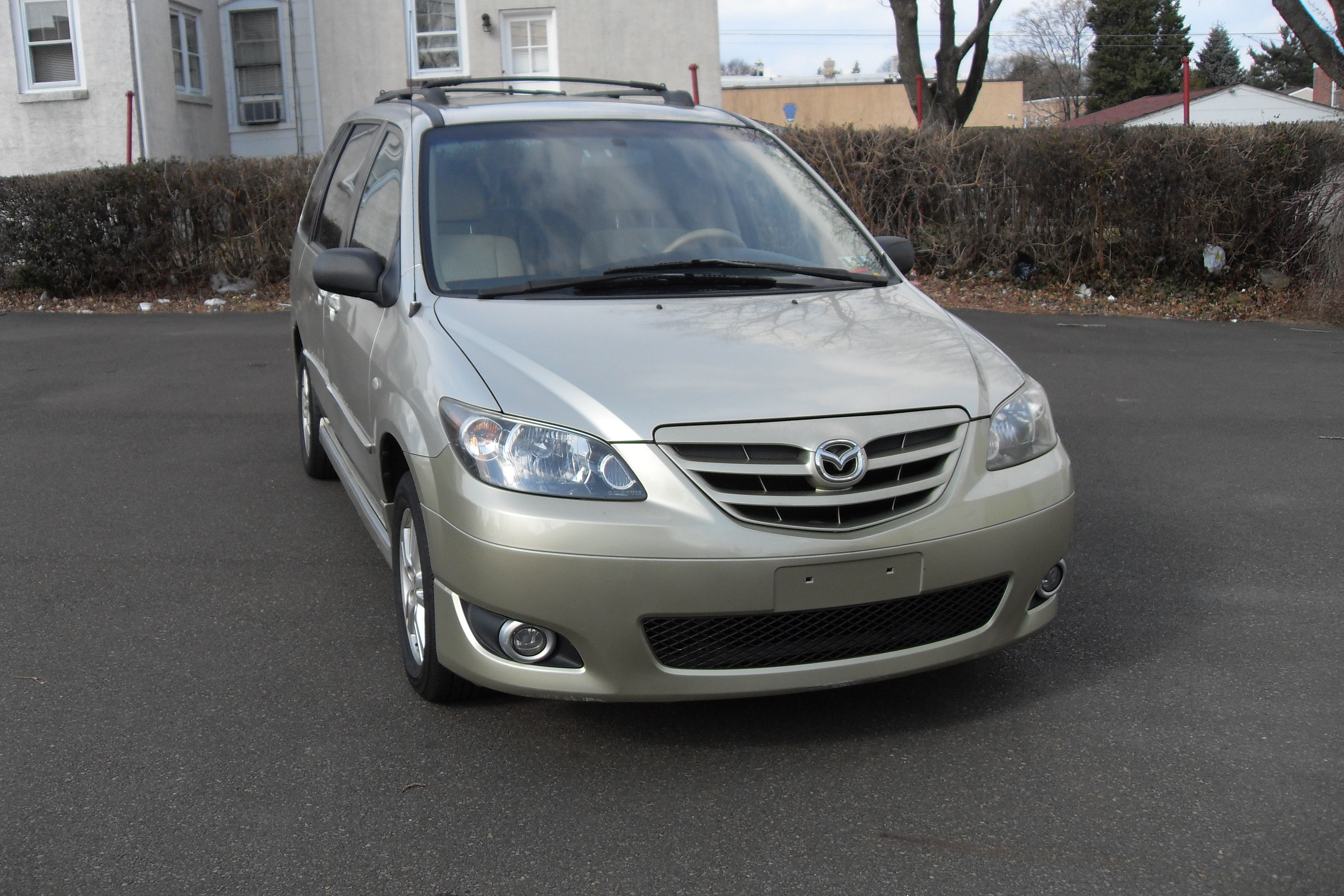 2004 mazda mpv lx a auto sales. Black Bedroom Furniture Sets. Home Design Ideas